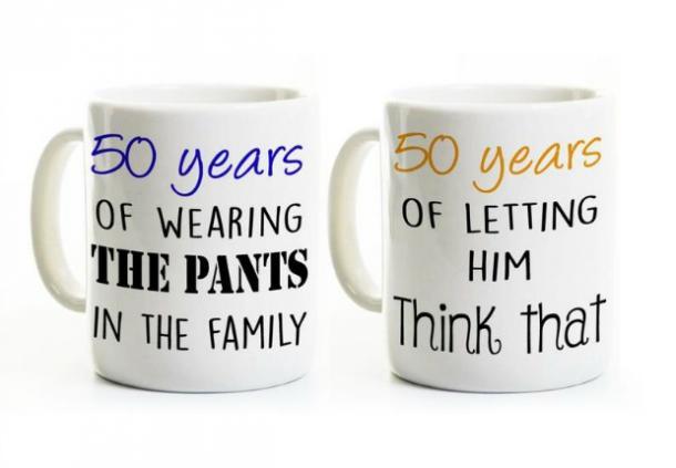Tazas de café para él y sus 50 años de casados
