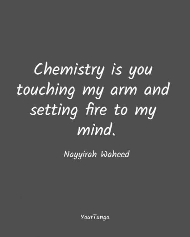 A Nayyirah Waheed le encantan las comillas cortas